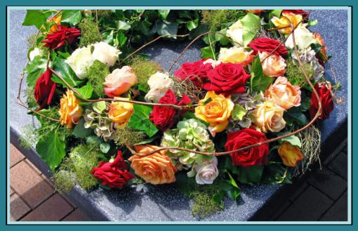 Blumengesteck Böhmer, Trauergesteck Essen, Gartenbaubetrieb Floristik